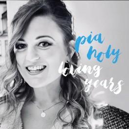 Loving Years / Pia Holy